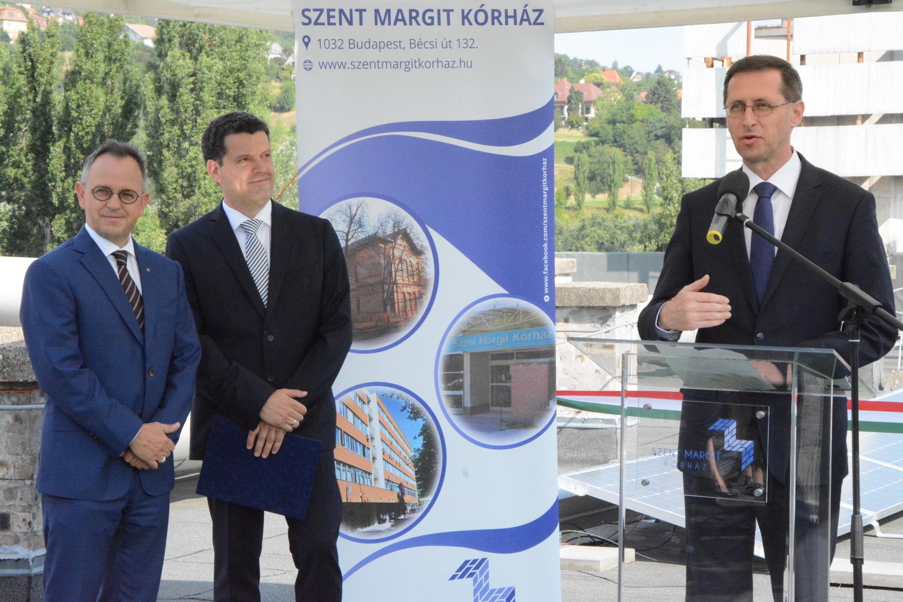 Varga Mihály nemzetgazdasági miniszter, Budapest II. és III. kerületének országgyűlési képviselője
